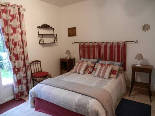 Les Chambres d'Elisabeth : Bed and Breakfast near Raray