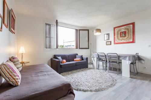 Porte de Versailles : Apartment near Vanves