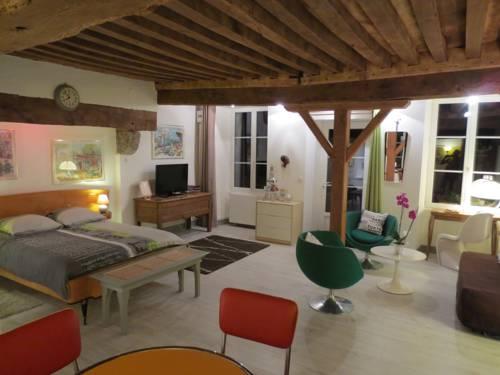 Domaine de Montmorillon : Guest accommodation near Anthien