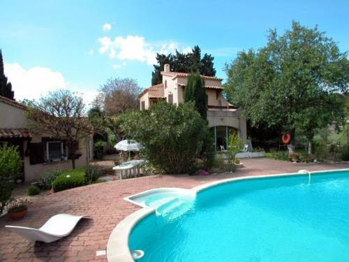 Apartment in Istres : Hotel near Bouches-du-Rhône