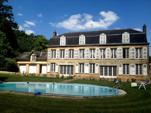 Château De Christina - Bed & Breakfast : Bed and Breakfast near Donchery
