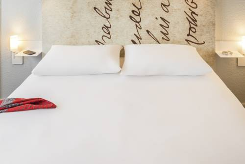 ibis Styles Meaux Centre : Hotel near Barcy