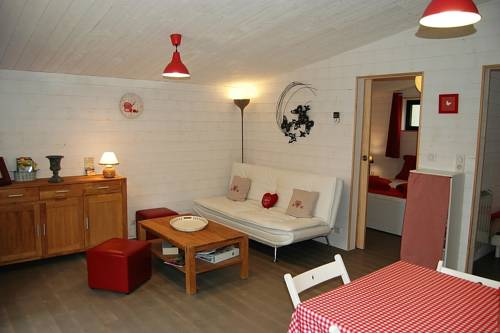 La Plume De Virginie : Guest accommodation near Bellegarde