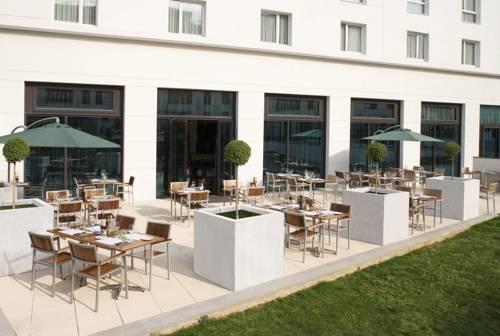Courtyard by Marriott Paris Saint Denis : Hotel near Villeneuve-la-Garenne