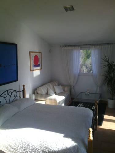 Holiday home Vélines 72 with Outdoor Swimmingpool : Guest accommodation near Bonneville-et-Saint-Avit-de-Fumadières