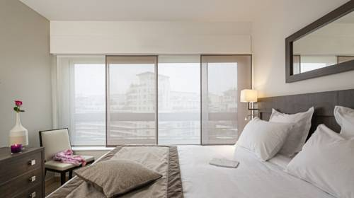 Residhome Courbevoie La defense : Guest accommodation near Courbevoie