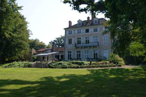 Le Chateau De La Vierge : Bed and Breakfast near Saint-Aubin