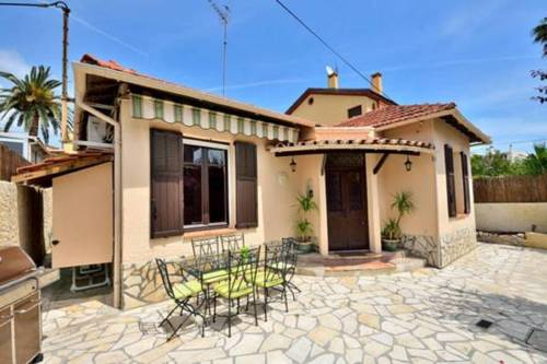 Cosy Antibes villa : Guest accommodation near Antibes