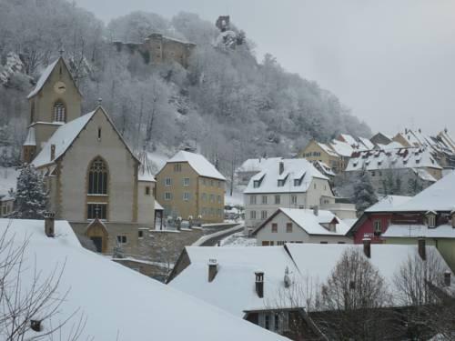Gîte Sud Alsace-Ferrette : Guest accommodation near Kœstlach