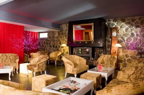 Madame Vacances Hôtel Ibiza : Hotel near Vénosc