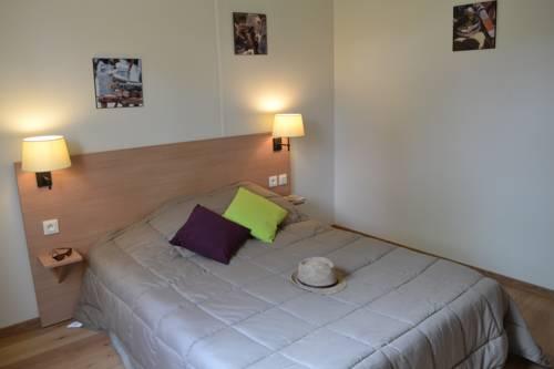 VVF Villages Saint-Bonnet-En-Champsaur : Guest accommodation near Poligny