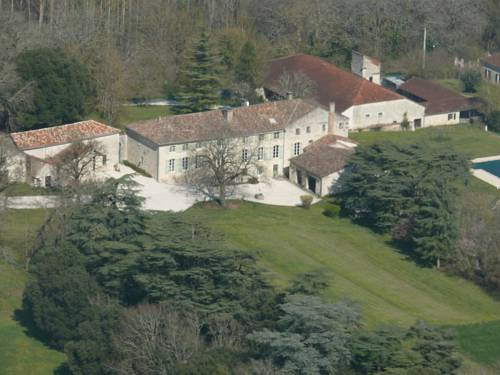 Domaine de Lamassas : Bed and Breakfast near Auradou