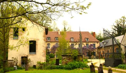 Aux Jardins des Thevenets : Bed and Breakfast near Le Mayet-d'École