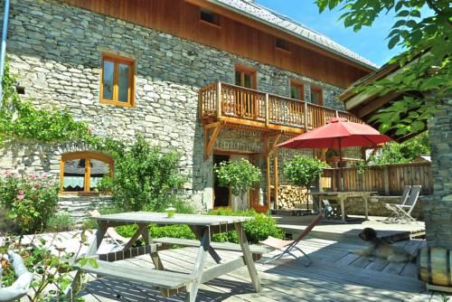 Le Moulin Ollivier : Guest accommodation near Saint-André-d'Embrun