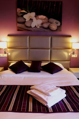 Irin Hotel : Hotel near Antibes