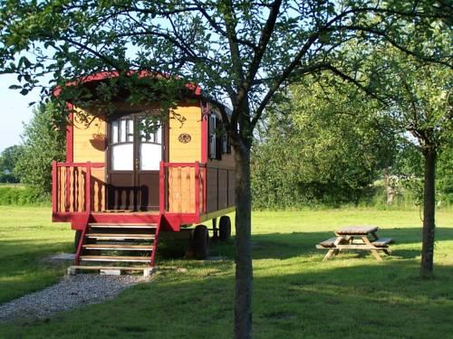 Les Roulottes de la Risle : Guest accommodation near Villez-sur-le-Neubourg