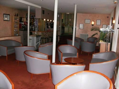 Logis Hôtel Pedussaut : Hotel near Haute-Garonne