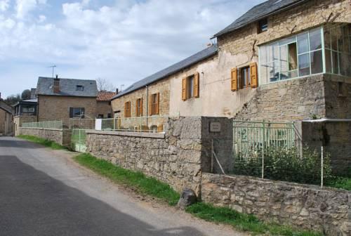 Entre Dolmens et Fontaines : Bed and Breakfast near Sévérac-le-Château
