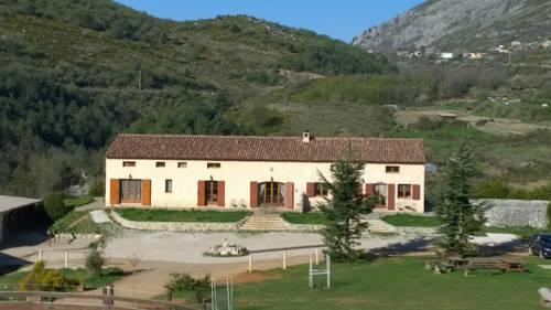 La Manonegra : Guest accommodation near Tourette-du-Château