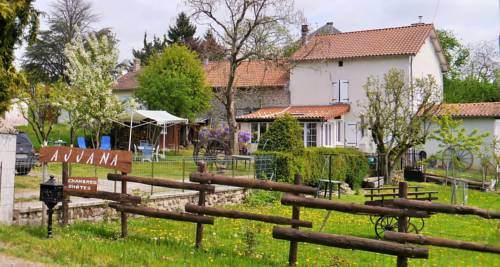 Ajjana Chambres d'hôtes : Bed and Breakfast near Abjat-sur-Bandiat
