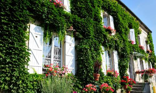 Maison d'Hôtes Ferme d'Issonges B&B : Bed and Breakfast near Sainte-Aulde