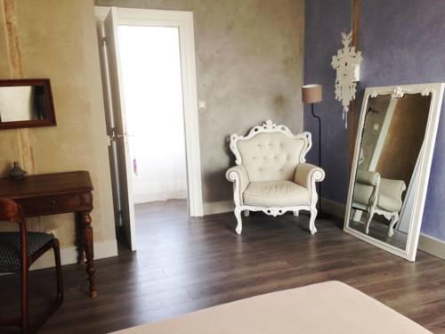 La Maison Bleue : Guest accommodation near Rezé