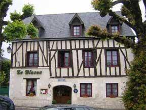 Hôtel Le Blason : Hotel near Saint-Martin-le-Beau