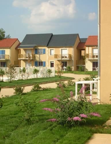 Résidence Odalys Le Hameau du Moulin : Guest accommodation near Montignac