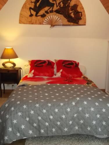 La Maison Bleue : Guest accommodation near Ploulec'h