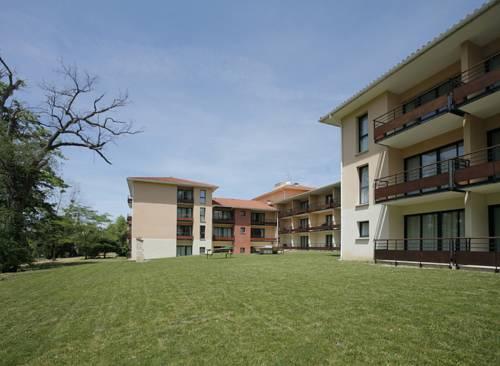 Appart'hotel Du Parc : Hotel near Montrabé