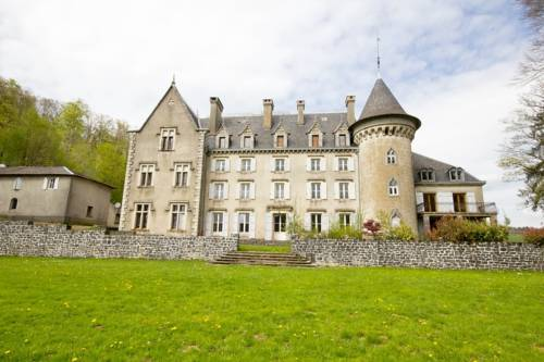 Chateau De Calmels : Bed and Breakfast near Saint-Sever-du-Moustier
