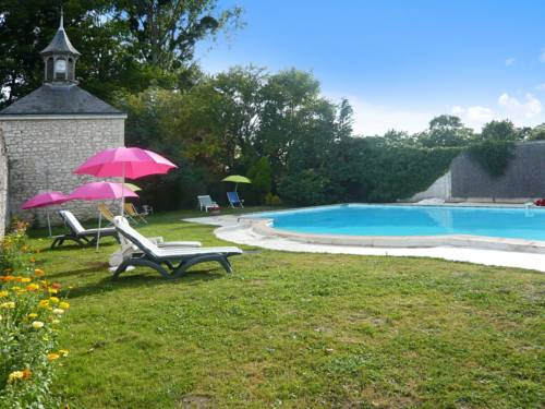 Villa Les Longchamps : Guest accommodation near Longué-Jumelles