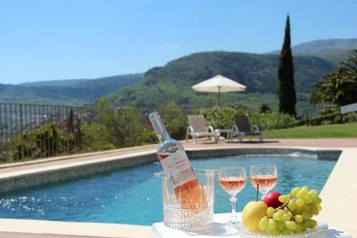 Villa Mirena : Guest accommodation near Courmes