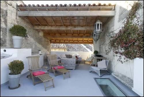 hotel uzes hotels near uz s 30700 france. Black Bedroom Furniture Sets. Home Design Ideas