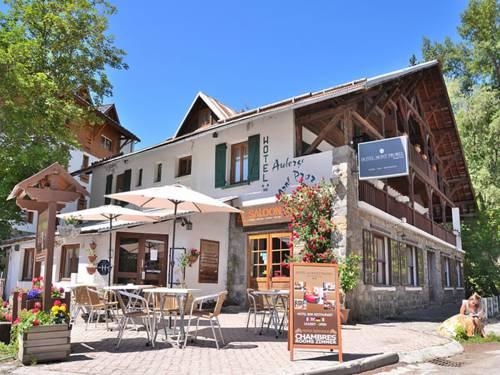 Auberge Le Mont Prorel : Hotel near Puy-Saint-Pierre