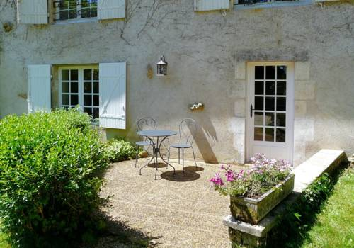 Studio Du Moulin De La Dive : Apartment near Romagne