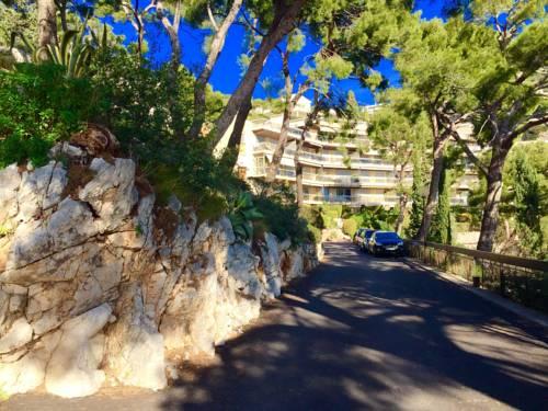 Hotel la trinite hotels near la trinit 06340 france for Le jardin 3 minutes sur mer