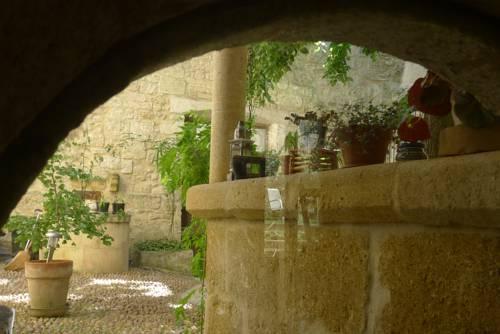Gîtes la Tarente : Guest accommodation near Saint-Pierre-de-Mézoargues