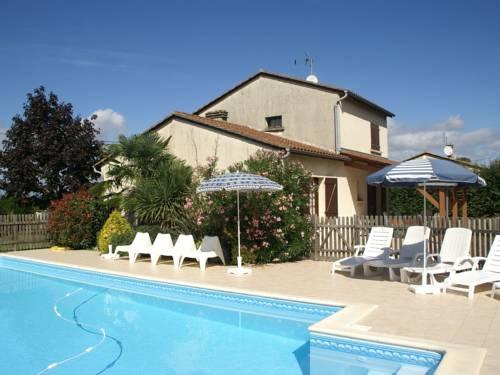 Maison De Vacances - Vélines : Guest accommodation near Bonneville-et-Saint-Avit-de-Fumadières