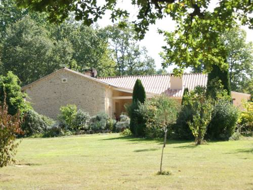 Maison De Vacances - Marsaneix : Guest accommodation near Notre-Dame-de-Sanilhac