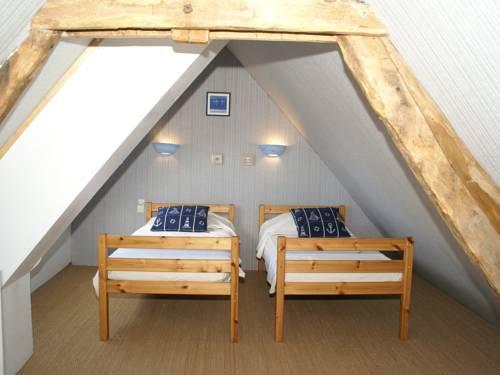 Maison De Vacances - Le Mesnil-Hue : Guest accommodation near Ver