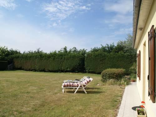 Maison De Vacances - Fontenay-Sur-Mer : Guest accommodation near Aumeville-Lestre