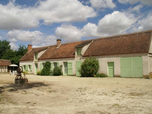 Maison De Vacances - Beauchamps-Sur-Huillard : Guest accommodation near Bellegarde