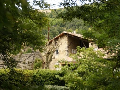 Domaine De Cortenzo Magnanerie : Guest accommodation near Lalevade-d'Ardèche