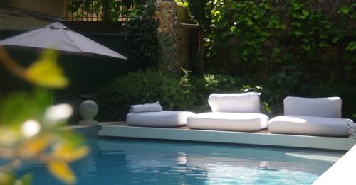Les Jardins de Baracane : Bed and Breakfast near Avignon