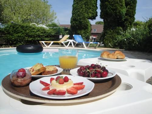 Ferme Auberge Du Vieux Puits : Bed and Breakfast near Le Catelet