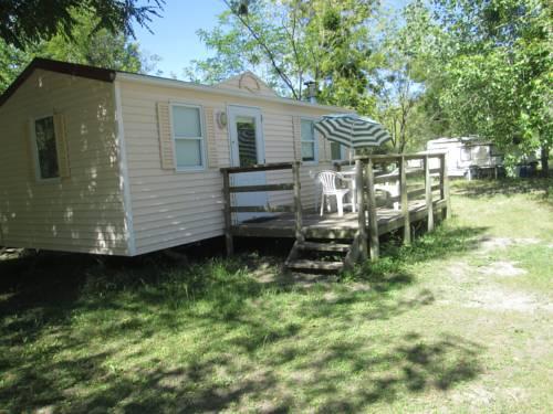 Team Holiday - Camping La Célestine : Guest accommodation near Barrême