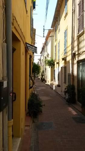 Safranier Townhouse : Apartment near Antibes