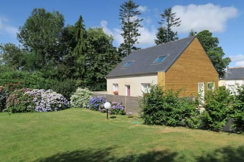 Kerhervé : Guest accommodation near Carhaix-Plouguer