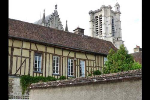 Hotels Near Troyes France